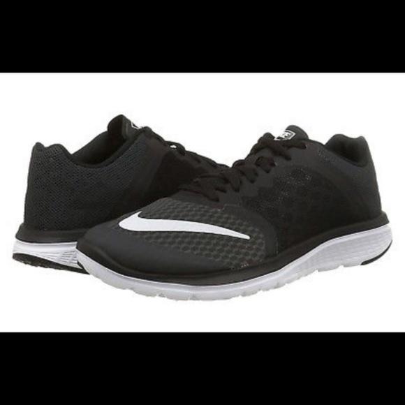 6a1990b291bd Nike Women s FitSole Lite Run 3 Running Shoes. M 5ac985cfd39ca269bc5568f2